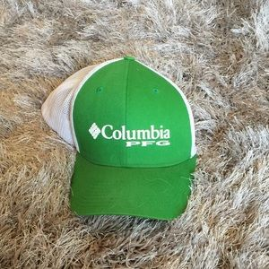 Green and white mesh Colombia pfg hat  lg/XL